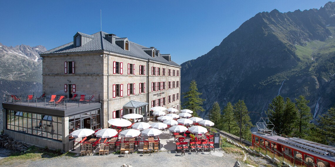 Hotel au pied des drus et de la Mer de Glace à Chamonix