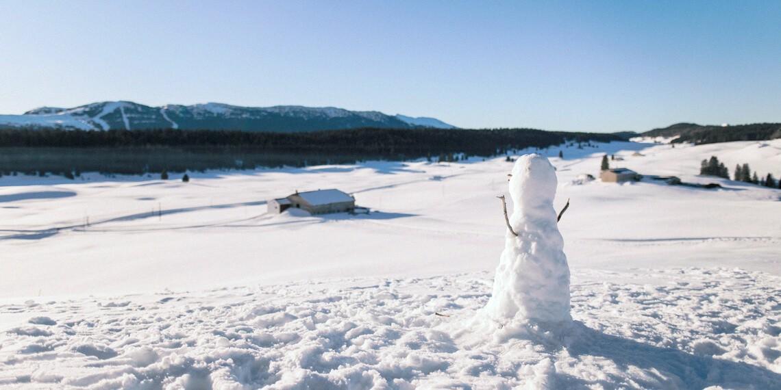 Guide Accompagnateur montagne été hiver dans le Jura, séjours labellisés Out Of Reach