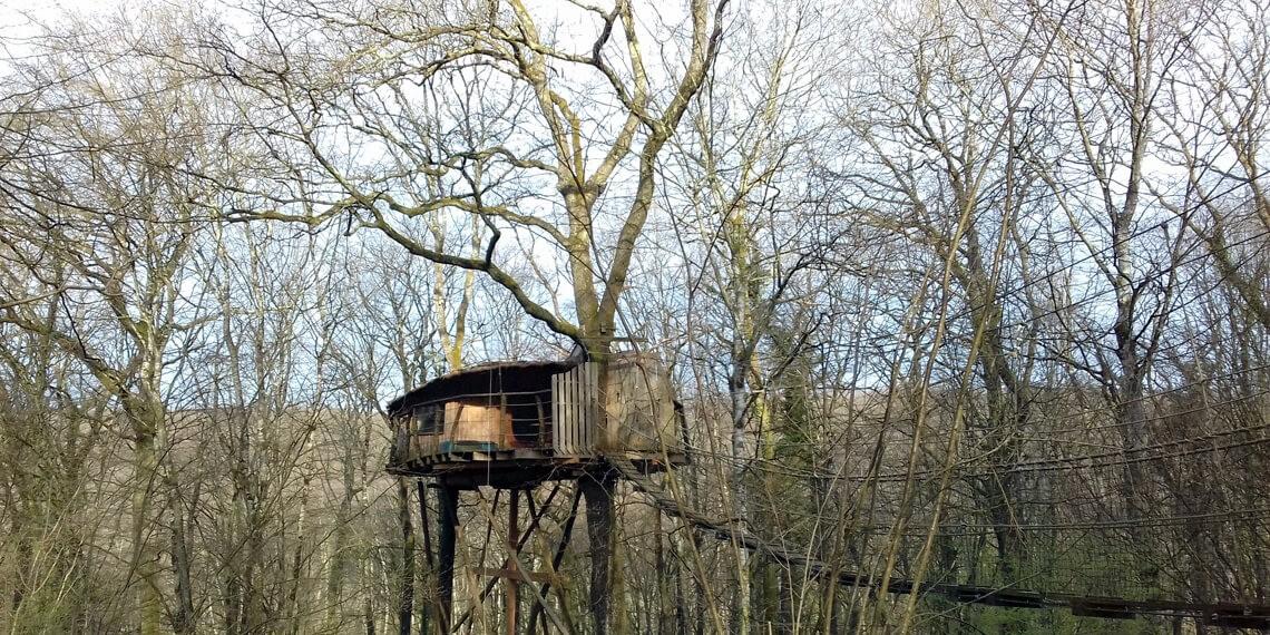 Cabanes dans les arbres - hébergement insolite dans le Jura, labellisé Out Of Reach