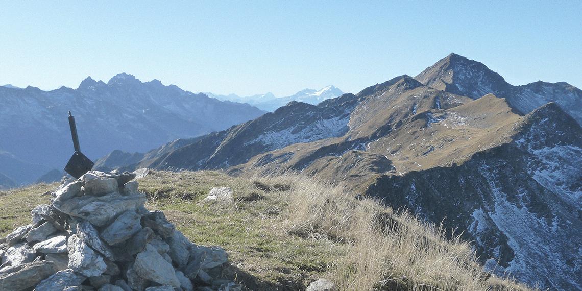 Panorama des Alpes du Nord durant un bivouac