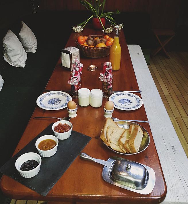 Petit déjeuné à bord du navire :