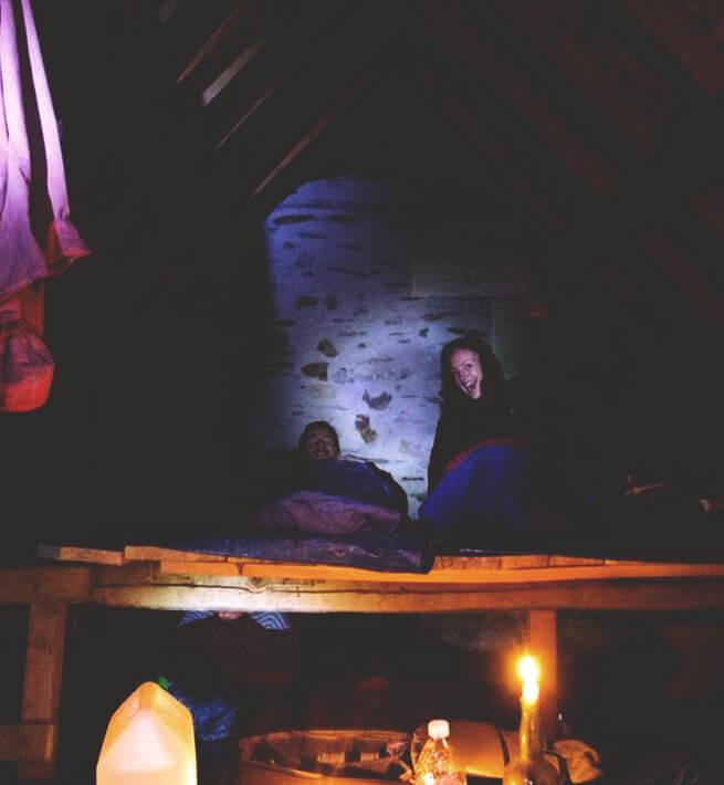 Couchage et lumière à la bougie
