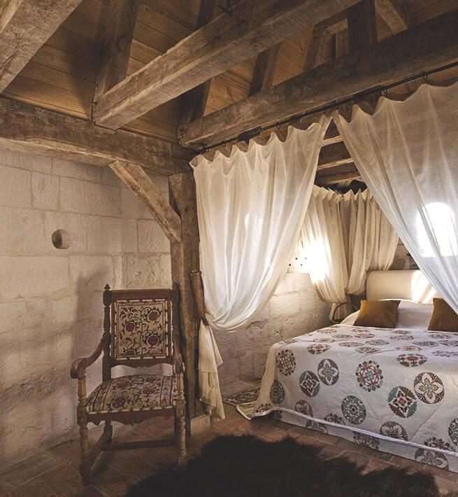 Une belle chambre dans un château déconnecté