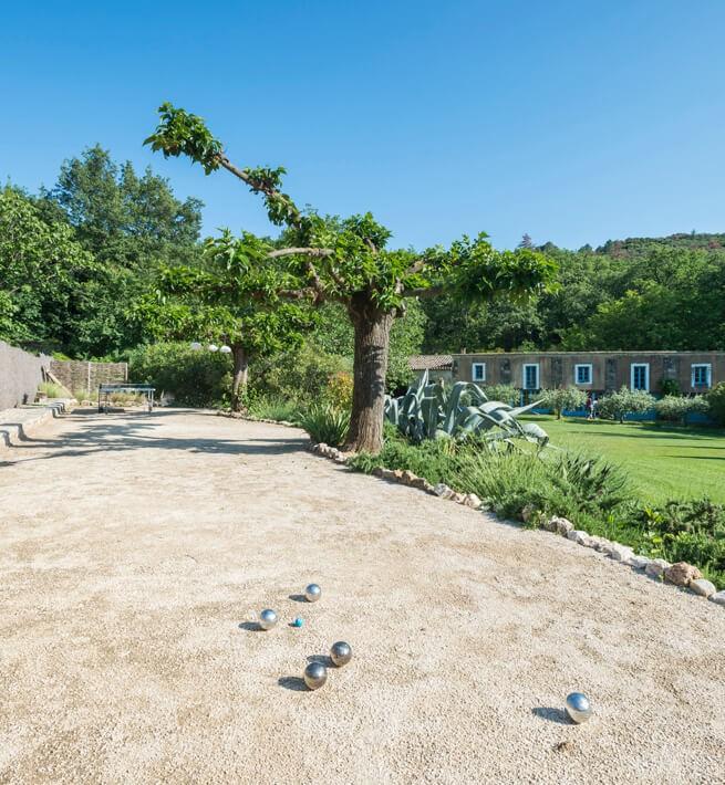 Pierres taillées & jardins enchantés pour un Mas raffiné - 2