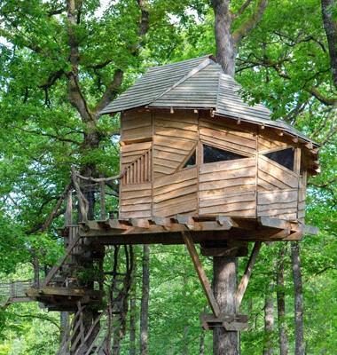 Village de cabanes et cabanes dans les arbres dans les Vosges, labellisé Out Of Reach
