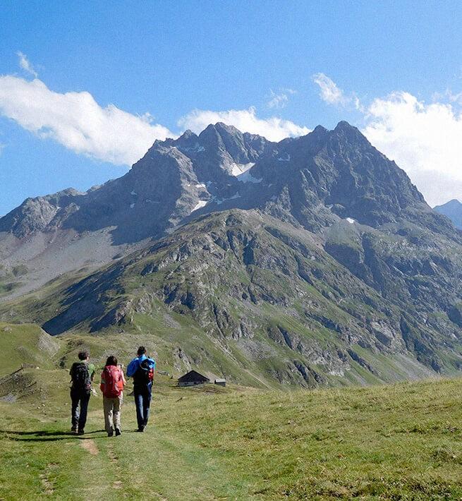 Randonneurs sentinelles Alpes